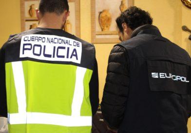 La Policía Nacional detiene a 30 personas en una operación contra el amaño de parejas de hecho con inmigrantes